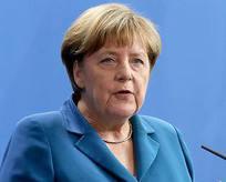 Merkelden darbe girişimine sert kınama