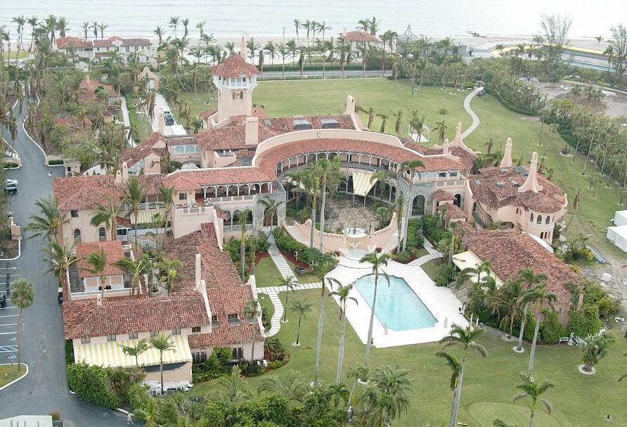 İşte Trump'ın dudak uçuklatan evi!