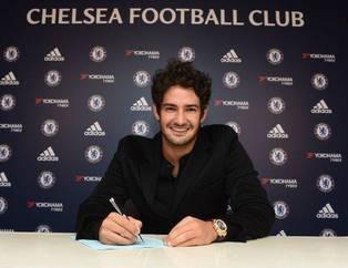 Ara transferde atılan imzalar