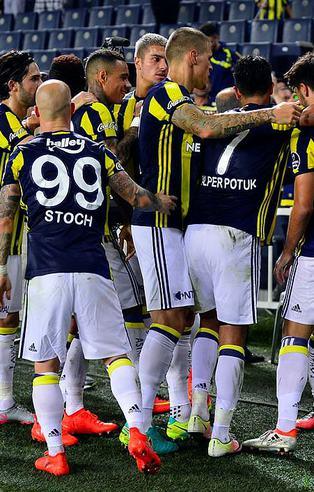 Fenerbahçe beyinsiz oynuyor