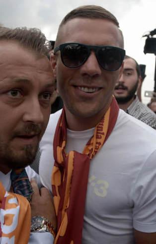 Podolski İstanbul'a geldi