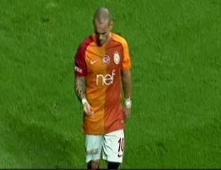 Sneijder'den derbide ilginç hareket