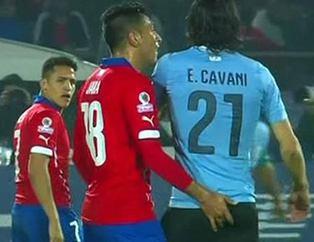 Tacizci futbolcunun son kurbanı Cavani oldu