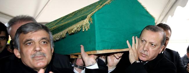 Abdullah Gül kay�npederini son yolculu�una u�urlad�