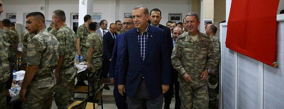 Erdoğan Silopide askerlerle birlikte iftar yaptı