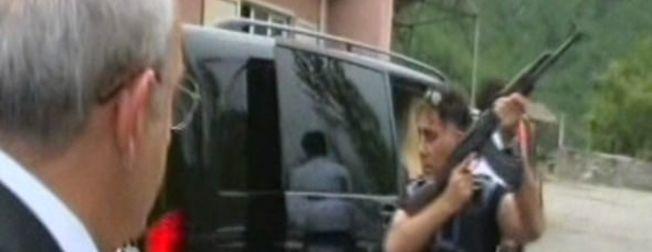 Kemal K�l�çdaro�lu'na Artvin'de sald�r�dan ilk kareler