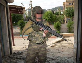 PKK'lı teröristler kaçarken evleri ateşe veriyor
