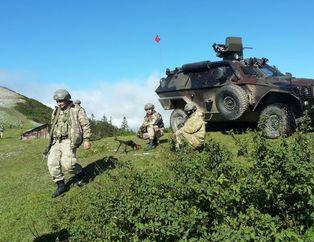 PKK'l� teröristler silahlar�n� b�rak�p kaçt�!