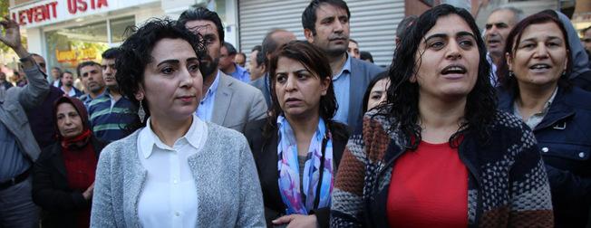 Polis da��lmayan HDP'lilere müdahale etti