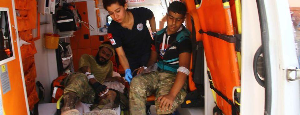 Yaralanan ÖSO askerleri Türkiyeye getirildi