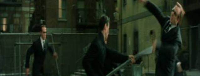 Esnafı döven İrlandalı capsleri sosyal medyayı salladı