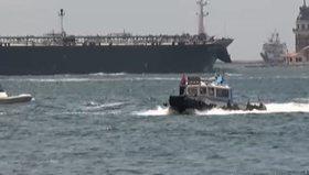 Beşiktaş'ta bir kişi vapurdan denize atladı