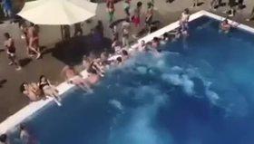 Havuzu taşırdı
