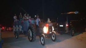 Traktörü gelin arabası yaptılar