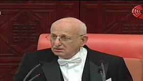 Meclis Başkanı Kahraman Sırrı Süreyya'yı fena bozdu