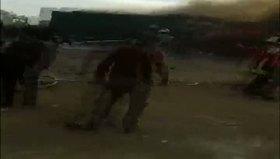 Rus jetleri Azez'de yardım tırlarını vurdu