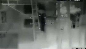 Polise saldıran teröristlerin vurulma anı kamerada