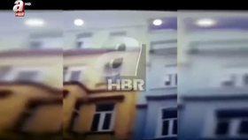 Taksim'deki 5 katlı binanın çökme anı