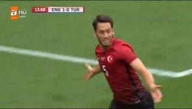 Hakan Çalhanoğlu'ndan İngiltere'ye tarihi gol