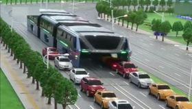 Çin'de trafikten etkilenmeyen otobüs projesi