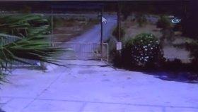 Darbeci hain kadın kılığında kameralara takıldı