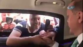 Erdoğan'ı gören vatandaşın canlı yayın heyecanı