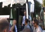 Erdoğan görür görmez otobüsten indi