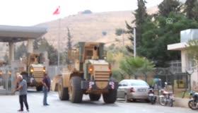 Sınırda askeri hareketlilik! Araçlar sınırı geçti
